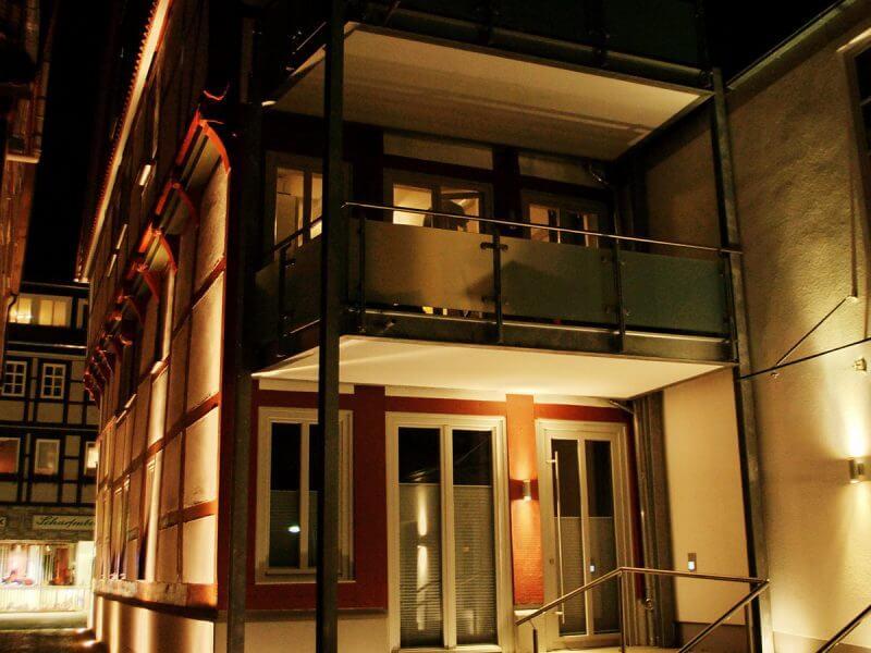 pg-lange - Breite Straße 49 Fassade Innenhof Nacht
