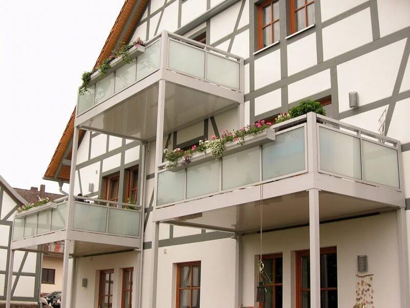 pg-lange - WOZU Außenansicht Balkone