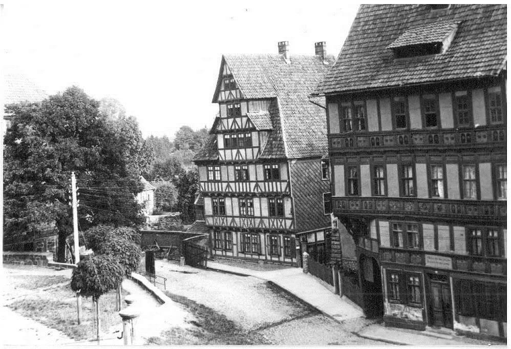 Alte stadtbibliothek marktstra e 88 planungsgruppe lange for Fachwerk bildung